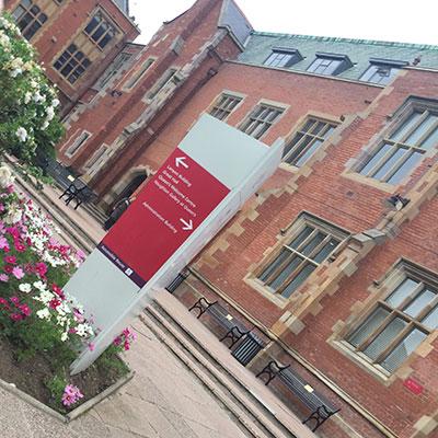 Queen's University}