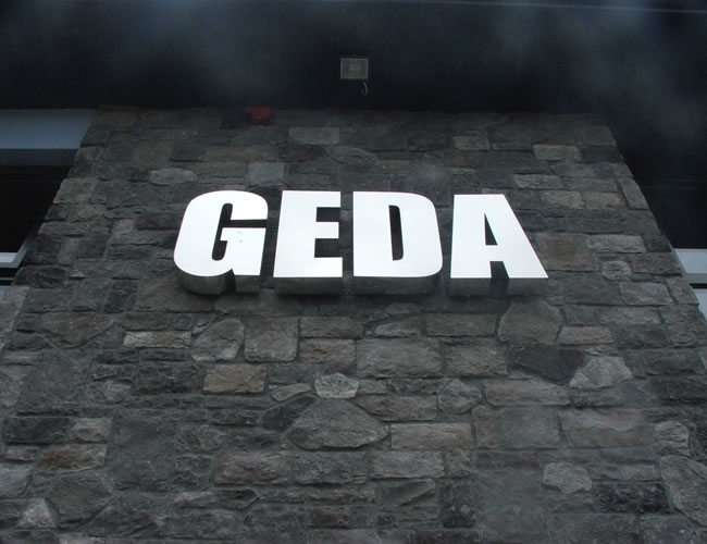 Geda-built-up-lettering-1