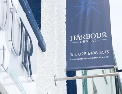 Harbour-hanging-projecting