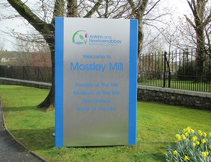 Mossleymill-totem--freestanding-signs